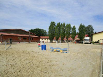 Reitplatz - Reitanlage Heidwaldhof - Merzig-Silwingen im Saarland